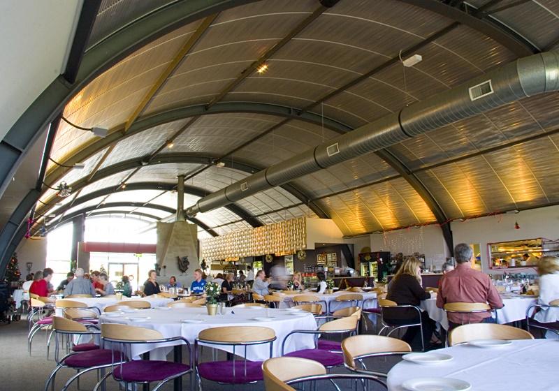 Renhurst – Rippletone吸声天花板 (于餐厅使用)